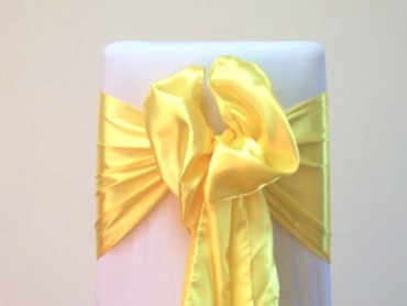 takeaseat-yellow-satin-sash